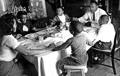 Dr. King with his family via Life Magazine