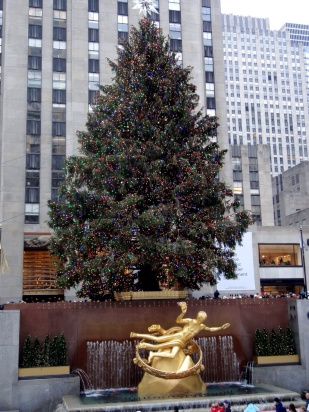 Rockefeller Center - Emily Nolan via Pinterest