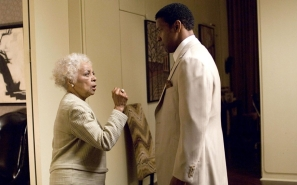 Ruby with Denzel in American Gangster - Everett Collection