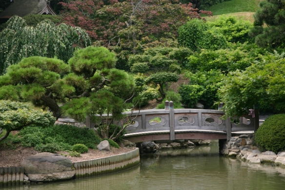 Wooden Bridge at Brooklyn Botanic Garden - ©Shutterstock